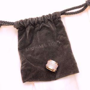 Michael Kors Crystal Pave Barrel ring size 6 GOLD